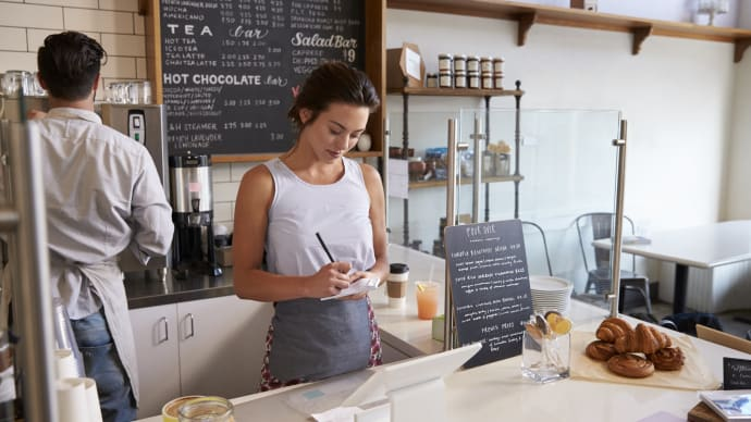 How to Improve the Engagement and Retention of Young Hourly Workers
